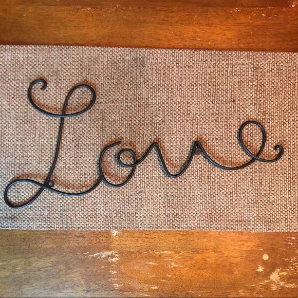 """Other - Metal """"Love"""" Wall Decor"""